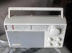 Dynatron Knightsbridge (roger.cook6@btinternet.com) Tags: dynatron knightsbridge transistor radio receiver lmsfm