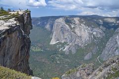 Yosemite Valley (malinowy) Tags: malinowy malinowynet nikon d7000 nikkor 1870 usa unitedstates unitedstatesofamerica us america california summer ca yosemite nationalpark yosemitenationalpark np park hike hiking trip roadtrip