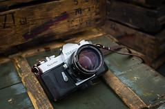 Yashica TL Super (G_a_D_o) Tags: camerajunky carlzeissjenapancolar80mmf18 yashicatlsuper cameraporn vintagecamera vintagelens