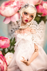 French Vanilla (Amadiz) Tags: wig wigs amadiz amadizstudio abjd bjd doll dolls fashion hairstyle popovy popovydolls littleowl