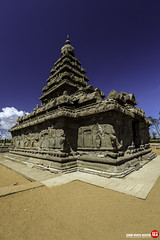 Mahabalipuram-50 () Tags: unesco chennai tamilnadu worldheritage pondicherry mahabalipuram mamallapuram shoretemple mandap  fiverathas  mahishamardini  descentoftheganga arjunaspenance krishnasbutterball   adivarahamandap