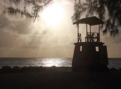 * (Coral ML) Tags: luz sol beach contraluz landscape atardecer silhouettes playa arena barbados isla vacaciones siluetas caribe