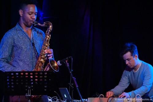 Shabaka Hutchings: sax / Leafcutter John: elec, fx