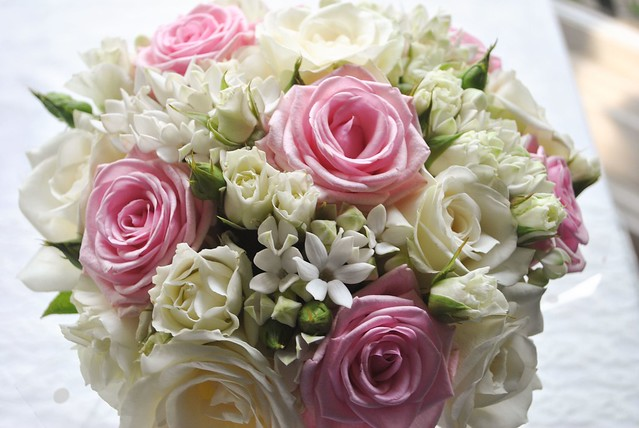 Pink-and-white-bouquet