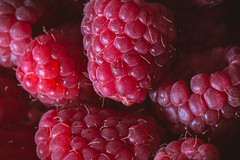 Raspberries (WillemijnB) Tags: berry food fruit vruchten fruits macro detail details texture framboos raspberry raspberries framboises red rouge rot rood pink rose roze