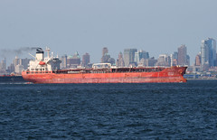 OREGGEN in New York, USA. August, 2016 (Tom Turner - SeaTeamImages / AirTeamImages) Tags: tanker red crimson scarlet vessel bay oreggen spot spotting tomturner channel water waterway statenisland bigapple newyork nyc unitedstates usa marine maritime pony port harbor harbour transport transportation brooklyn brooklynskyline skyline