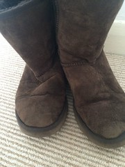 s-l1600 (11) (a.r.m.c) Tags: ugg boot worn used trashed hole