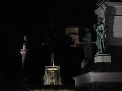 Jubilumssule and fountain at night, Schlossplatz, Stuttgart, Germany (Paul McClure DC) Tags: stuttgart germany deutschland aug2016 badenwrttemberg architecture sculpture historic