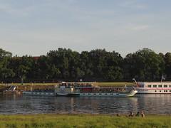 Dresden-0118_1 (pischty.hufnagel) Tags: dresden elbe dampfschiff dampfschifffahrt kurort rathen wende schaufelraddampfschiff schaufelraddampfer