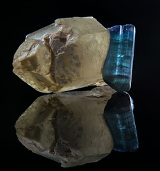 Tourmaline (Mr Giuseppe) Tags: mineral minerales geologia mineralogia rocas rocks crystals geology mineralogy