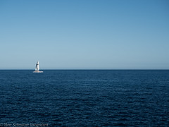 Auf dem Mittelmeer (Herr Schmitzer fotografiert) Tags: meer ozean ocean boat boot schiff blau blue sky olympus omd sea wasser