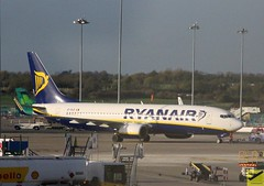 Ryanair B737-8AS EI-DLB taxiing at DUB/EIDW (AviationEagle32) Tags: dublin dublinairport dub dublinairportt1 dublinairportt2 eidw ireland ire republicofireland airport aircraft airplanes apron aviation aeroplanes avp aviationphotography aviationlovers avgeek aviationgeek aeroplane airplane planespotting planes plane flying flickraviation flight ryanair boeing boeing737 b737 b737ng b737800 b738 b738w b7378as eidlb taxiing arrivals