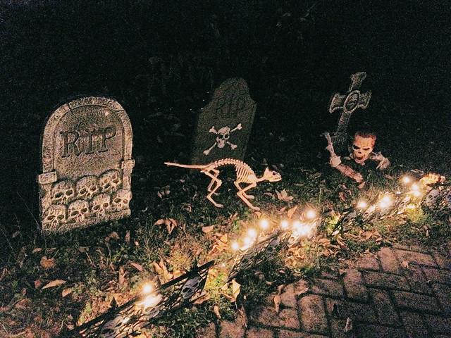 decorations halloween skeleton zombie gravestones