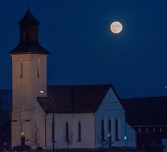 Januarmane ved Fiskum kirke. Moon in January, Norway. (Agnar Kaarb) Tags: moon church norway mne kirke buskerud fiskum