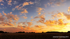 Abendhimmel an der Sandwüste (grafenhans) Tags: sonnenuntergang sony herbst feld himmel wolken 55 tamron slt farben grose grafenwald 281750 slt55 holtfort