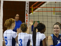 006#VNVB#POITIERS# (alainalele) Tags: france sport french o femme cité north internet creative commons east council housing bienvenue et lorraine 54 nouvelle ville hlm licence banlieue moselle volei presse feminino suru voleibol 排球 bloggeur boree meurthe siatkówka femeie волейбол paternité рода כדורעף 용기 kobiecy 호퍼 alainalele женского 女子的 lamauvida v자형 ボレーをする الكُرَةُ الطَّائِرَة פִילוֹשֵמִי alainnalele