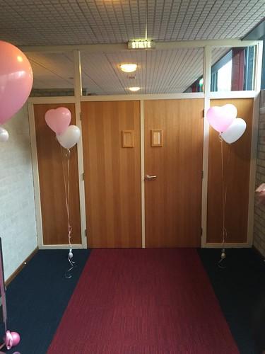 Gronddecoratie 2hartballonnen Crematorium De Ommering Spijkenisse