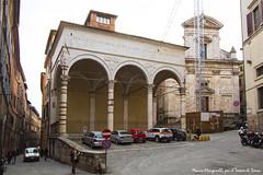 Le Logge del Papa e la Chiesa di San Martino (per tacer dell'atavica gru) (Il Tesoro di Siena) Tags: italy italia tuscany siena toscana