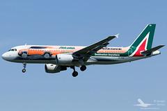 Airbus A320-216 Alitalia (Jeep Renegade) - Milan Linate (Dysko88) Tags: milan airplane jeep milano aircraft airbus lin spotting renegade alitalia a320 linate speciallivery liml specialcolor