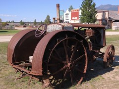 """The Minneapolis"" Tractor (Larry Myhre) Tags: theminneapolis rusty vintage tractor fortsteele britishcolumbia bcalbertasept2016"