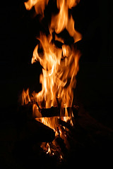52 in 2016 Challenge - #28 - Fire (crafty1tutu (Ann)) Tags: challenge 52in2016challenge 28fire fire braai barbecue wood flames hot travel holiday southafrica africa 2016 crafty1tutu canon5dmkiii canon24105lserieslens anncameron blackbackground