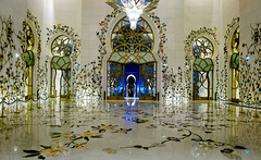 Sheikh Zayed Grand Mosque (Vedaante) Tags: abudhabi sheikhzayedgrandmosque architecture mosque uae beautiful glittering holidays sheikh zayed grand reflection spiegelung thomae abu dhabi emirates united arab vereinigte arabische emirate moschee islam glaube architektur nightshot long expousre