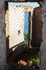 una finestra sul mare. (LucaBertolotti) Tags: mine oldmine miniere minerali minerals sea elba isola isoladelba riomarina calaseregola window finestra summer