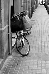 BICICLETA AL PASSATGE DE SANT BENET (Yeagov C) Tags: bicicleta passatgesantbenet passatgedesantbenet 2016 barcelona catalunya
