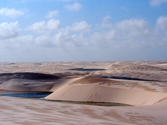 Lenis: after the rain (r y o m a) Tags: latinoamerica nature naturaleza landscape paisaje dune duna lenois lagoa lago lake brasil maranhao
