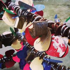 Chafariz do Amor (Jhony Sato) Tags: amor chafariz cadeados