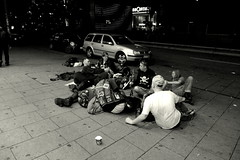Young german homeless people in Hamburg by night (thorstenkulbe Streetphotography) Tags: street city people urban blackandwhite bw monochrome night hamburg young streetphotography stadt sw reeperbahn homeles lumixlx7
