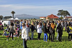 Picnic at the Presidio: Linda's Quandary (AntyDiluvian) Tags: sanfrancisco california trip picnic line linda westcoast presidio quandary foodtruck paradeground offthegrid