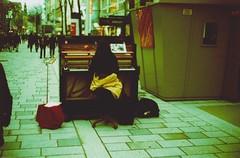 pianist (julianvanurban) Tags: vienna street blue urban green art film analog outside julian cross ct indoor x iso electro 100 van process agfa 35 yashica precisa julianvanurban