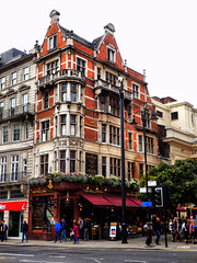 The Wellington, The Strand, London (photphobia) Tags: city uk building london westminster architecture pub capital thestrand cityoflondon thewellington