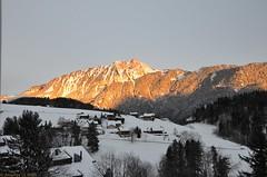 Coucher de soleil sur le Chamossaire (CH) (Annelise LE BIAN) Tags: orange sunshine suisse damn blanc paysages coucherdesoleil montagnes leysin chamossaire coth supershot fabuleuse alittlebeauty coth5 neigeetglace