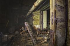 Tür zu *L (klickertrigger) Tags: old abandoned wet alt decay mould tür verlassen zu kaputt wagen schimmel offen feucht gebrochen
