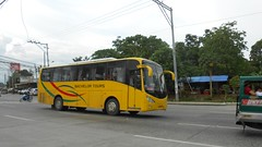 Bachelor Tours (Monkey D. Luffy 2) Tags: bus bachelor viking tours hino rk 481 rk1jmt