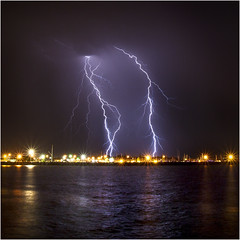 Massive double Fremantle CG lightning (beninfreo) Tags: storm canon cg harbour indianocean australia bolt lightning fremantle westernaustralia cloudtoground therebeastormabrewin 5d3