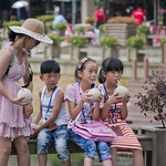 "Chinese kids enjoing the weekend • <a style=""font-size:0.8em;"" href=""http://www.flickr.com/photos/28211982@N07/16423710839/"" target=""_blank"">View on Flickr</a>"