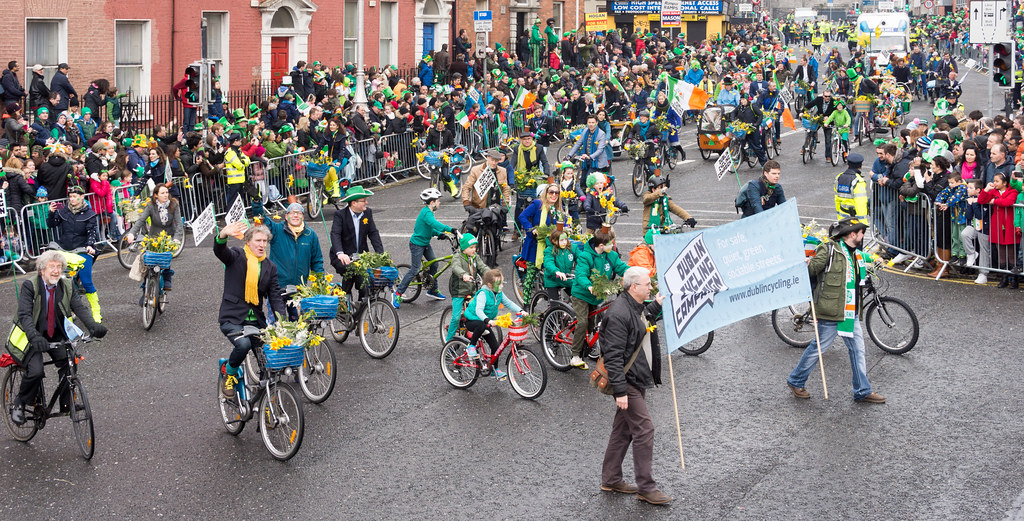 DUBLIN CYCLING CAMPAIGN - ST. PATRICK'S PARADE 2015 IN DUBLIN REF-102357