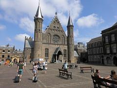 Entrance of 'de ridderzaal' (hall of knights) (Beyond the grave) Tags: netherlands dutchparliament ridderzaal binnenhof holland thehague denhaag