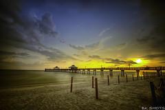 Sonnenuntergang Fort Myers Beach (USA) (BK-Shots) Tags: beach strand pier sonnenuntergang florida fort outdoor himmel wolke ufer landschaft hdr myers kste