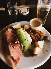 corned beef and cabbage. (howard-f) Tags: bar pub guinness pint irishpub iphone southpasadena cornedbeefandcabbage vsco iphoneography vscocam griffinsofkinsale