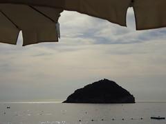 ti aspettiamo ! (fotomie2009 OFF) Tags: spotorno liguria ponente ligure riviera italy italia isola bergeggi sea mare island