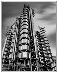 Lloyds HDR (Spence.. Going slowly with a back injury) Tags: spence angspence canon canon6d canon24105l mono outdoors focus background photoshop texture monochrome blackwhite bw lloydsbuilding steel steelwork hdr longexposure clouds blur shadows highlights