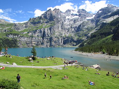 Oeschinensee (evil king) Tags: kandersteg oeschinensee bergsee mountain lake see shore ufer trip ausflug chill berne bern beauty nature natur swim group gondel bahn meadows wiese green woods rocks