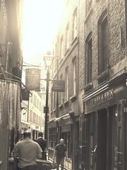 Artillery Passage (Avvie_) Tags: london jack the ripper gunthorpe street 1888 martha tabram whitechapel spitalfields aldgate white heart pub victorian era edwardian synagogue sandys row commercial flower dean walk artillery passage
