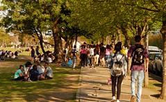DIAS PRIMAVERALES (su-sa-ni-ta) Tags: gente personas calle primavera juventud people spring street youth