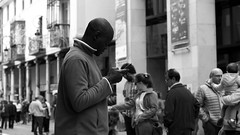 arandinos (pepe amestoy) Tags: blackandwhite streetphotography people aranda burgos spain fujifilm xe1 carl zeiss t planar 250 zm