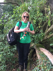 Emily finds Monica & Andew's geocache! (monica.shaw) Tags: equinox autumnequinox emilykern